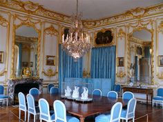 The porcelain dining room: Created under Louis XV in 1769 for his suppers after a hunt, was used by Louis XVI and Marie-Antoinette. Description from pinterest.com. I searched for this on bing.com/images