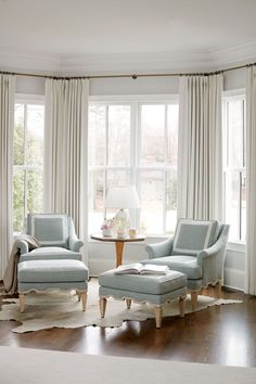 Examples Of Home Decoration Living Room 90 Models Bay Window Design Ideas Living Room To Inspire Your nbsp hellip Bay Window Design, Bay Window Decor, Bay Window Living Room, Bedroom Windows, Home Living Room, Living Room Designs, Living Room Decor, Window Seats, Bay Window Seating