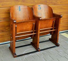 Odnowiony fotel kinowy , fotele kinowe lata 50te Interior Decorating, Interior Design, Vintage Chairs, Sofa, Theatre, Furniture, Home Decor, Drawing Room Interior, Design Interiors