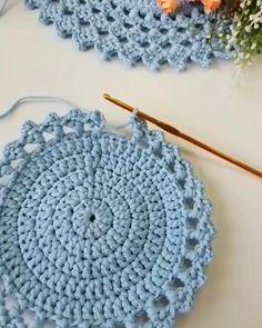 Crochet Circle Pattern, Crochet Doily Rug, Crochet Motif Patterns, Crochet Carpet, Crochet Flower Tutorial, Crochet Basket Pattern, Crochet Circles, Crochet Instructions, Crochet Crafts