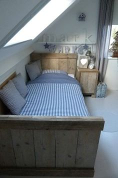 undefined Cosy Bedroom, Home Decor Bedroom, Living Room Decor, Le Logis, Cool Kids Bedrooms, Sleeping Loft, Coastal Bedrooms, Attic Rooms, Baby Boy Rooms