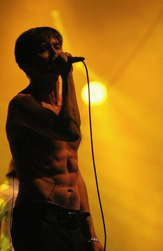 Brett Anderson (The Tears) by kj.vogelius, via Flickr