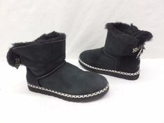 UGG Australia Womens 1005079 Blk Mini Bailey Bow 78 Boots Shearling Boots Size 8 #UGGAustralia #SnowWinterBoots