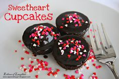 Echoes of Laughter: Valentine-Sweetspiration Week: Sweetheart Cupcakes...