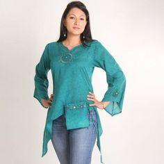 Long sleeved pocket top