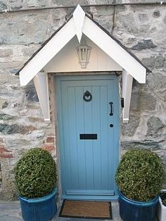 Holiday Cottage in Dolgellau, Snowdonia National Park, showing traditional black ironmongery. Country Front Door, Cottage Front Doors, Front Door Porch, Cottage Porch, Cottage Exterior, House Front, Country Cottage Bedroom, Porch Entrance, Cottage Windows