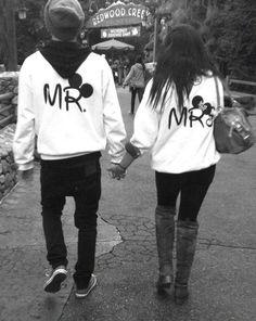 Next time i go to Disney I want to wear this sweatshirt!