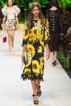 Dolce & Gabbana Spring 2017 Ready-to-Wear Fashion Show - Brittany Noon