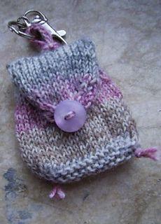Ravelry: Rucksäckchen à la Susie pattern by Wintogreen Knitting Help, Knitting Videos, Knitting Patterns Free, Crochet Patterns, Small Knitting Projects, Crochet Projects, Knit Or Crochet, Crochet Hats, Mini Mochila
