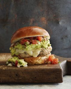 Guacamole Turkey Burgers loaded with Pepper Jack Cheese + Pico de Gallo from www.whatsgabycooking.com (@whatsgabycookin)