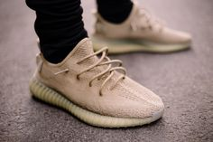 The adidas Yeezy Boost 350 Dark Green has been reportedly cancelled and not release this year. Fashion Models, Fashion Shoes, Runway Fashion, Paris Fashion, Teen Fashion, Fashion Trends, Kanye West Adidas Yeezy, Yeezy Boost 350 Black, Sporty Outfits