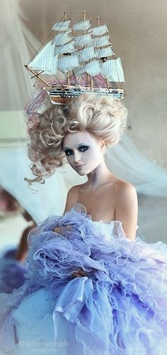 Marie Antoinette Rococo Baroque inspiration - Shibina Nadegda ☮k☮ Mode Rococo, Mode Baroque, Beauty And Fashion, Look Fashion, Street Fashion, Rococo Fashion, Victorian Hairstyles, Dior Couture, Belle Photo