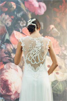 Claire Pettibone Lace Wedding Gown #lace #clairepettibone #weddingchicks http://www.weddingchicks.com/2014/03/03/2014-claire-pettibone/