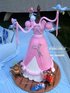Another Cinderella dress cake! This one has cute mousies and birds :)