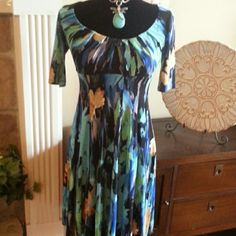 London Times Dresses - Lomdon Times Blue Watercolors dress sz 4
