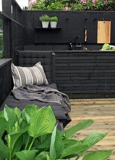 Ultimate Deck And Patio Area Retreat For Easy Living – Outdoor Patio Decor Outdoor Seating, Outdoor Rooms, Outdoor Gardens, Outdoor Living, Outdoor Decor, Outdoor Kitchen Design, Backyard Kitchen, Deco Design, Diy Garden Decor