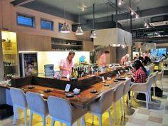 Rayjin Tepanyaki Bar. cerita di: foodcious.com Teppanyaki, Bar, Dining, Street, Food, Walkway