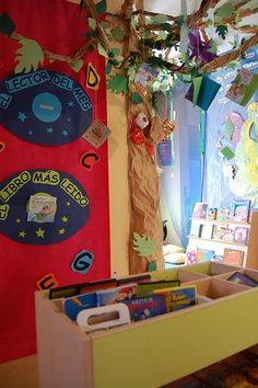 Recursos educativos para una biblioteca infantil Reading Tree, Library Design, Library Ideas, Montessori Activities, Magic Book, Reggio Emilia, Conte, Teaching English, Classroom Organization