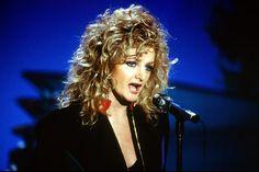 Bonnie Tyler #bonnietyler #1990s #gaynorsullivan #gaynorhopkins #thequeenbonnietyler #therockingqueen #rockingqueen #music #rock  www.the-queen-bonnie-tyler.com