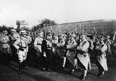 The Great War in all its awe and terror. Ww1 History, Flanders Field, Blue Army, Church News, Phd Student, French Army, Troops, Soldiers, Training Center