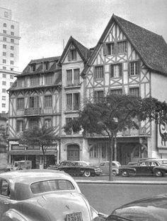 Vila Normandia (onde atualmente está o Edifício Itália), na avenida Ipiranga com a avenida São Luís.