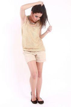 Regata Metálica + Mini Shorts Nude + Maxi Colar by Innocence Fashion, via Flickr
