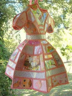 Bobby La: Card & Crochet dress! Gorgeous. :-)