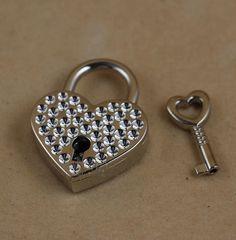 1 Pieces Vtg old look Heart Shaped Padlock & Skeleton Key Wedding Bow Lock Silver Valentine's Day Gift - - Amazon.com