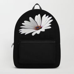 08a768f97b2c Daisy flower blooming close-up Backpack