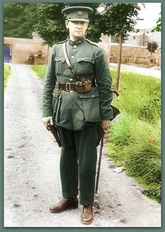 Michael Collins, Revolutionary And Founder Of The Irish Free State. Photo He did what was thought to be impossible.Born: October County Cork and Assassinated: August Béal na Bláth. B/W Photo Colourised by Pearse. Ireland 1916, Ireland Map, Dublin Ireland, Anglo Irish Treaty, Funeral, First Color Photograph, Roisin Dubh, Irish Free State, Irish Independence