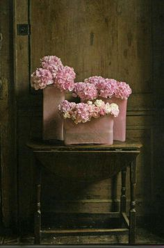 Rustic, Shabby Charm - Oh how we love that vintage, shabby-chic, rustic charm in home design and decor- here is much to inspire you today. Schumacher Fabric and Textiles French Deco Floral, Arte Floral, Floral Design, Pink Hydrangea, Pink Flowers, Hydrangeas, Shabby Flowers, Fresh Flowers, My Flower