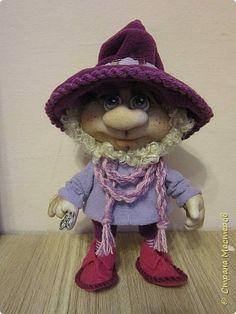 Куклы Мастер-класс Шитьё Гном Капрон Мех Нитки Проволока Ткань фото 35 Elves And Fairies, Doll Tutorial, Kokeshi Dolls, Waldorf Dolls, Fairy Dolls, Soft Dolls, Doll Crafts, Soft Sculpture, Doll Face