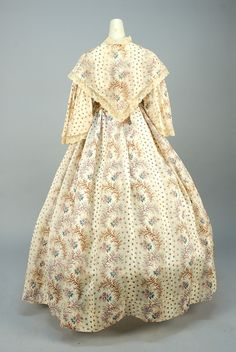 PRINTED COTTON DRESS and FICHU (back view)  -  c 1850. -  French