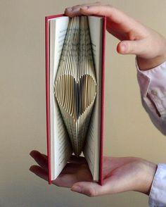 DIY Dobla Corazones book art |San valentín| | Manualidades