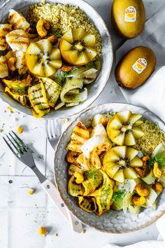 Lecker leichter und gesunder Lunch mit einer Prise Exotik. Auch unsere Golden Bowl hat den Immunbooster in sich und dazu noch alles was Ihr für ein super leckeres und schnelles Mittagessen braucht. Tolle Lunch Idee, die auch als Snack oder Zwischenmahlzeit hervorragend funktioniert.