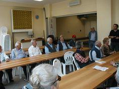 Foto di gruppo durante la realizzazione del video per il Cesvot al Circolo ARCI di Perignano