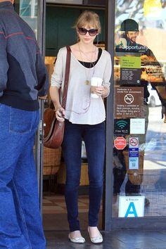 Taylor Swift Needs Her Starbucks