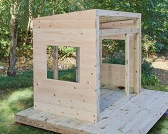 How to build a playhouse for the perfect holiday gift – Backyard & Garden Design Modern Playhouse, Build A Playhouse, Playhouse Outdoor, Outdoor Sheds, Kids Playhouse Plans, Backyard For Kids, Backyard Projects, Outdoor Projects, Cubby Houses