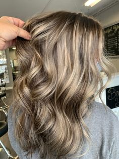 Fall Blonde Hair, Golden Blonde Hair, Blonde Hair With Highlights, Shades Of Brown Hair, Rachel Hair, Grey Hair Transformation, Fall Hair Cuts, Baylage, Hair Shows