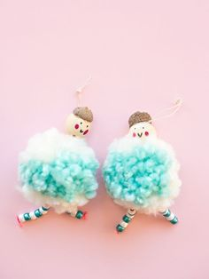 DIY Arctic Pom Pom Doll Ornaments. Cute ornament kids can make for the Christmas holiday season.