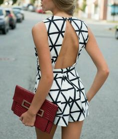 This backless black and white romper looks great with a bold clutch. Outfit goes from day to night. Look Fashion, Fashion Outfits, Womens Fashion, Fashion Trends, Fashion Shoes, Fashion Black, Fashion 2017, Runway Fashion, Fashion Jewelry