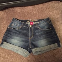 Shorts Worn 2 times great condition Other