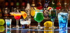L'#aperitivo rimane l'#occasione di #consumo di #bevande, alcoliche e analcoliche, che resiste meglio all'interno del macro comparto degli alcolici e che riesce a sviluppare #vendite per circa 210 milioni di euro all'anno. #consumi #movida #economia #giovani #tendenze