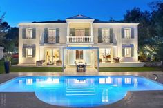 Luxury Home, Florentine Style For Sale On The French Riviera In The South  Of France.
