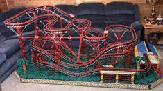 Wild Mouse roller coaster made out of K'nex Lego Train Tracks, Lego Trains, Train Car, Lego Zoo, Best Amusement Parks, Planet Coaster, Amazing Lego Creations, Chanel Boy Bag, Cool Toys