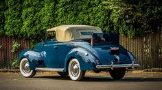 1939 Ford Deluxe Cabriolet 3-Speed, Concours Restoration presented as lot S12 at Monterey, CA 2015 - image3
