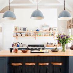 Little Glass Jar Home. ideas for home renovation addition joanna gaines Casino Domicile: P Best Paint For Kitchen, Kitchen Paint, New Kitchen, Kitchen Ideas, Kitchen Inspiration, Kitchen Designs, Design Inspiration, Kitchen Island Size, Kitchen Island Decor