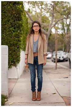 boyfriend blazer, jeans, booties, brown, grey, fall, autumn, casual, chic
