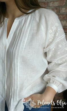 Women Fashion New Fashion Kurta Designs Women, Blouse Designs, Mode Russe, Clothes For Sale, Clothes For Women, Kurta Neck Design, Casual Tops For Women, Indian Designer Wear, Blouse Styles