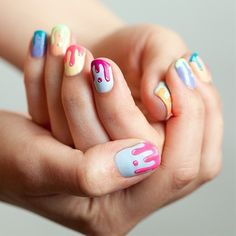 Nail art - these drip nails are super cute I wish I could paint my nails like this !!!